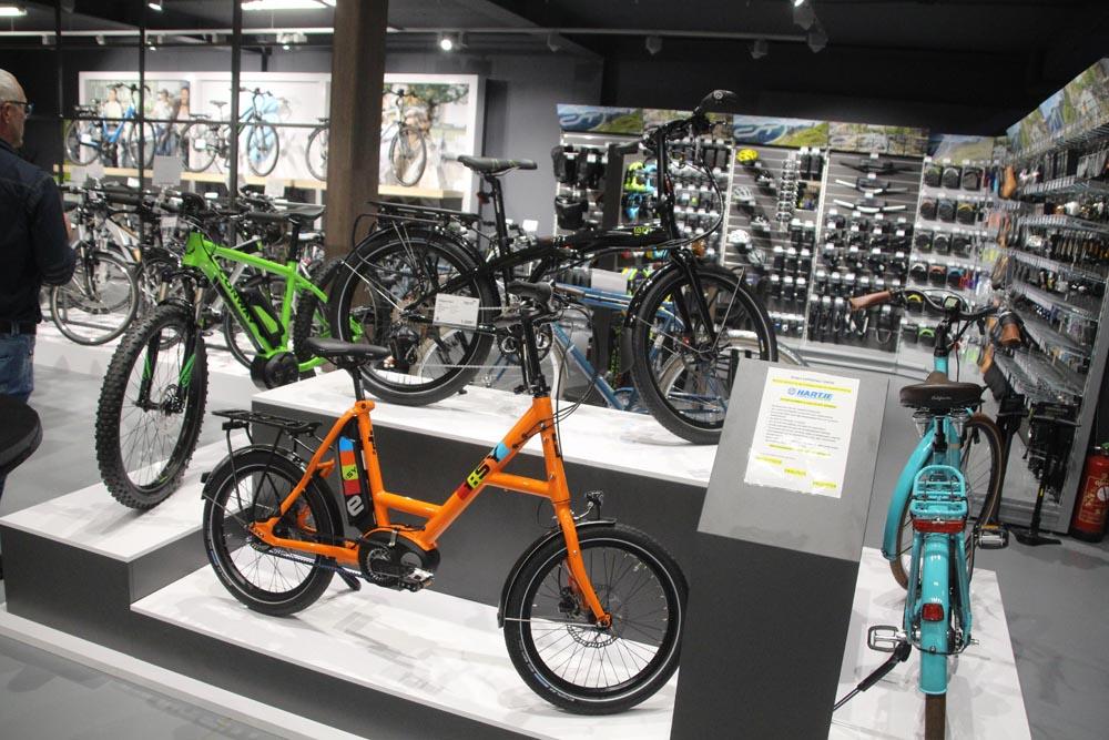 welcome bike experience center zutphen. Black Bedroom Furniture Sets. Home Design Ideas